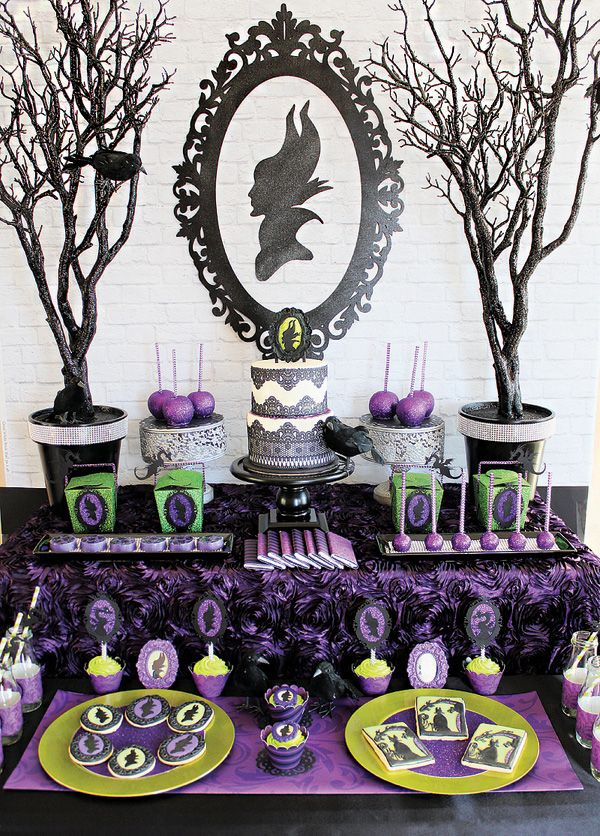 Amazing Maleficent Inspired Dessert Table: great for a birthday party or a Halloween party! #Maleficent #partyideas