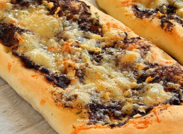Ζύμη για πίτσα http://pepiskitchen.blogspot.gr/2010/06/blog-post.html