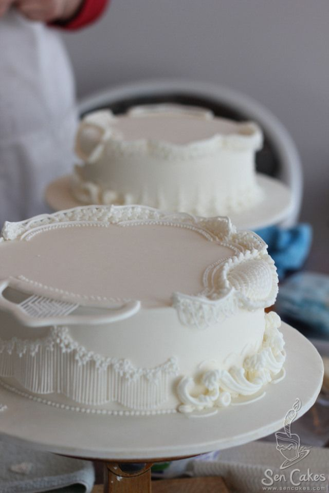 Royal Icing Cake Decorating Designs : 25+ best ideas about Royal icing cakes on Pinterest ...