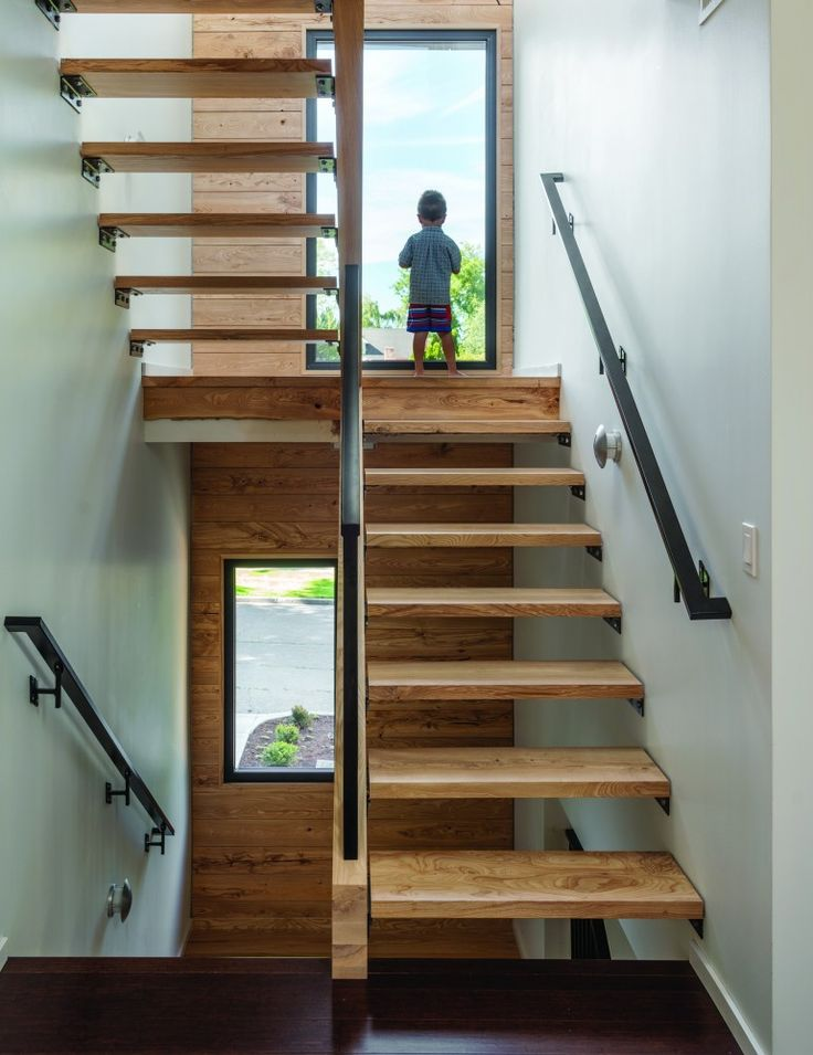 Nice open tread timber stairs.  www.methodstudio.london