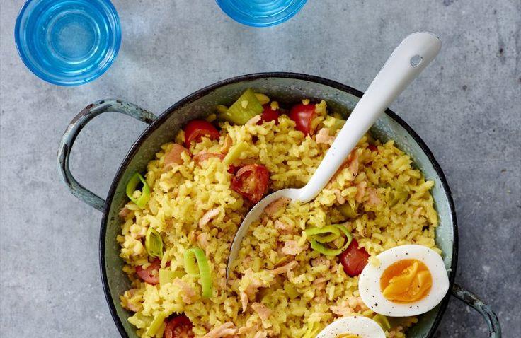 Gele rijst met zalm, ei en tomaat van Susan Smit
