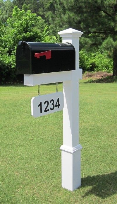 Features:  -Numbers not included.  -Dual mailbox post: No.  -Mailbox post needs to be buried in concrete.  -Numbers can be placed on both sides.  -Post included: Yes.  Number of Items Included: -3.  C