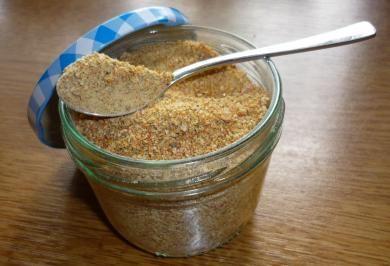 Das perfekte Selbstgemachtes Brühpulver-Rezept mit Bild und einfacher Schritt-für-Schritt-Anleitung: Alle Zutaten in einem Mixer zu einem feinen Brei…