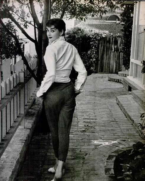 Audrey Hepburn, simple and chic in the 1950s
