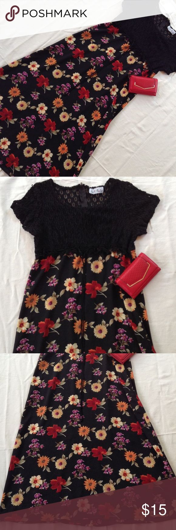 Floral ladies maxi dress Like new condition Dresses Maxi