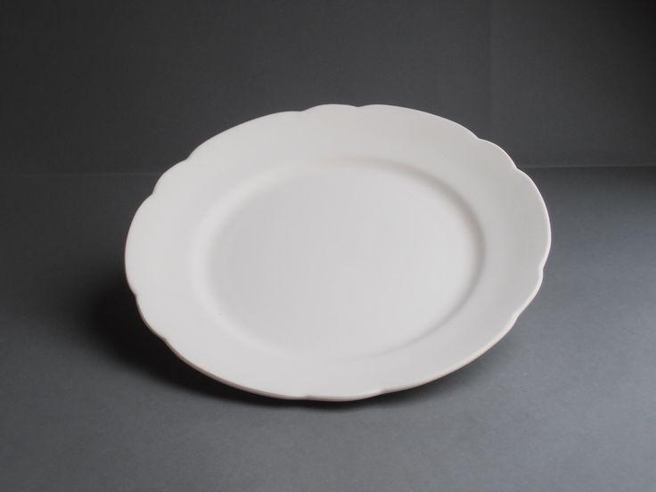 Juni 2016. Mooie aanbieding: 10 van deze bordjes (steengoed) diameter 25cm voor €10,00. Wel zelf ophalen.