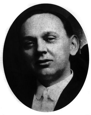 About Healers Who Specialize in Medical Intuition: Edgar Cayce (1877-1945) American psychic, c. 1920