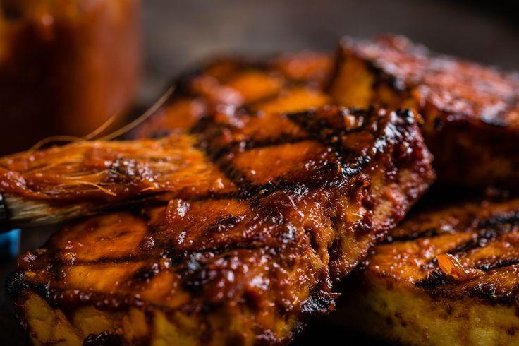 Type sauce BBQ ou marinade au pesto? #mangeraveclesyeux #bouffe #bbq #tofu #sante #foodporn #healthy #food #summer #oser http://ow.ly/qYoM3019ksl  En savoir plus