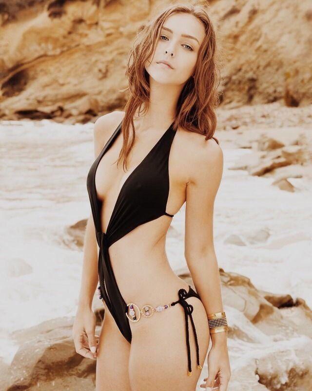 Lena Cova Nude Photos 15