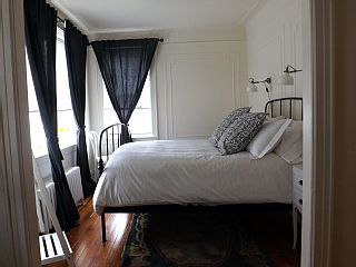 Guest apartment in the heart of Carroll GardensVacation Rental in South Street Seaport from @homeaway! #vacation #rental #travel #homeaway