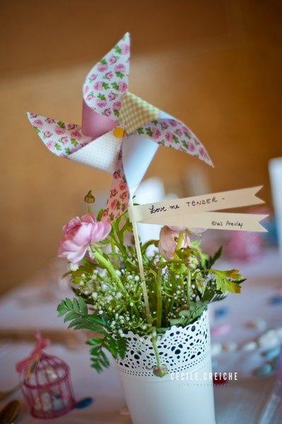 1000 id es sur le th me papier moulin vent sur pinterest moulins vent de papier papillons. Black Bedroom Furniture Sets. Home Design Ideas