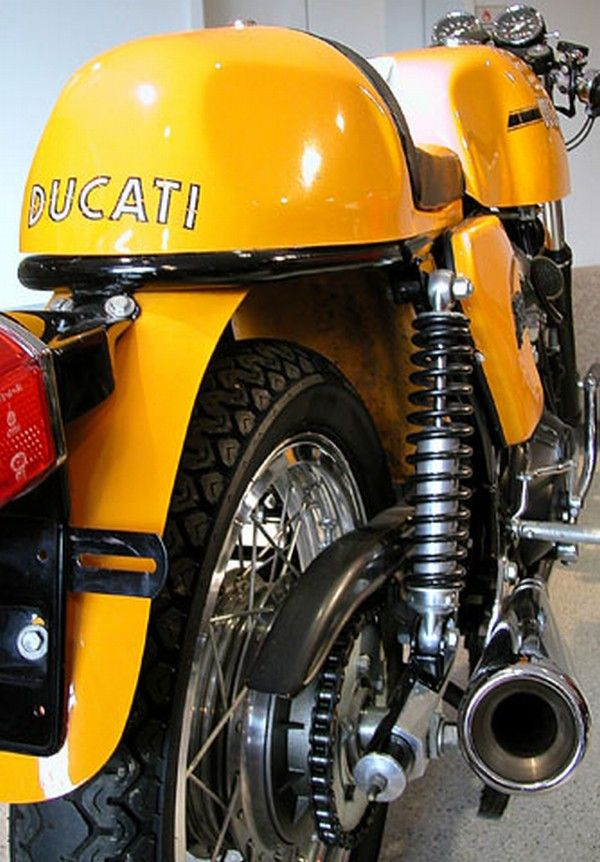 doyoulikevintage:  1974 Ducati 750 Sport