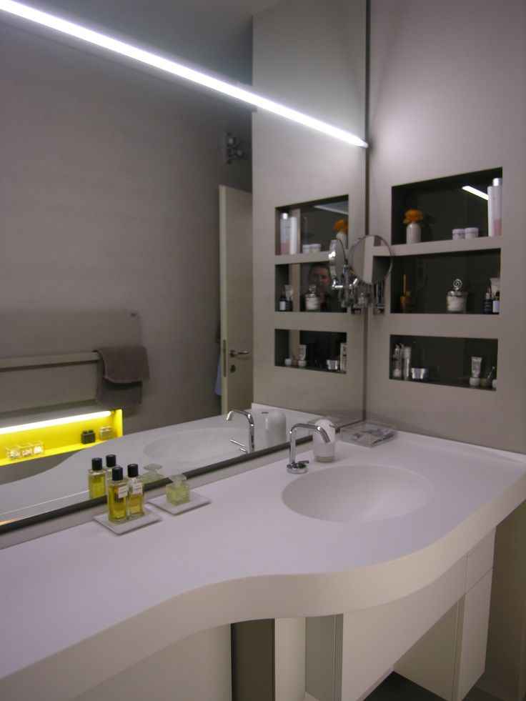Bathroom for Guest - MorBal PH14 / Top > Hi.Macs/ floor > Buxy + Kerlite >walls / design by Lauro Ghedini
