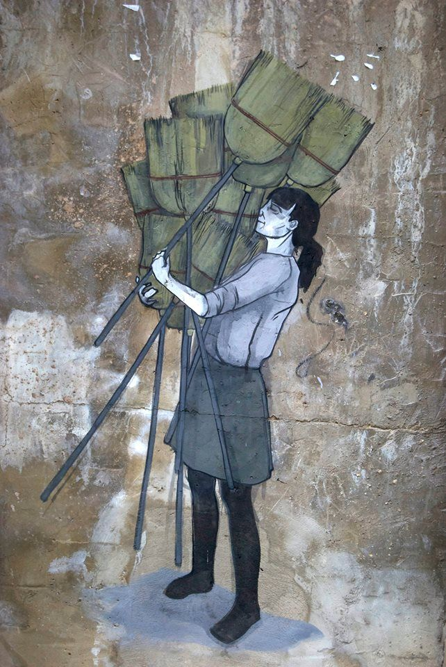 The weight of things..¨ Valencia, Spain, 2013.  Hyuro  #Hyuro #streetart #urbanart #graffitiart #wallmural #art