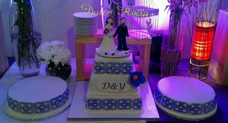 Wedding cake with stencil