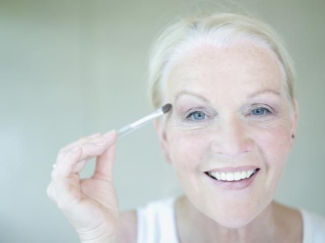 Best Eyeshadow For Green Eyes Over 50 Makeupview