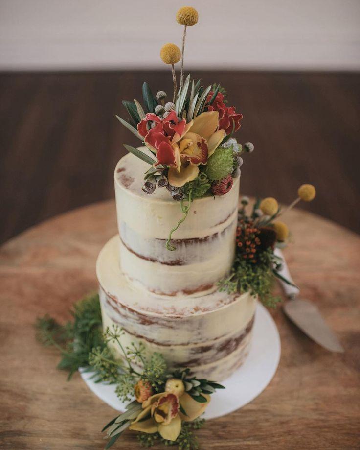 Thanks to our lovely bride Jasmine for sharing this gorgeous image of her semi-naked wedding cake all dressed up... Loving the native foliage@botanicsmelbourne  #weddingcakes #cakeink