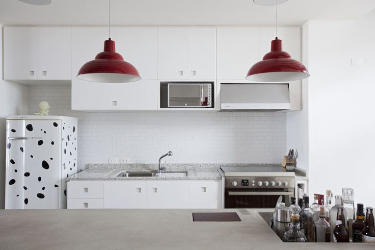 Quirky clean.Architecture Interiors, White Kitchens Cabinets, Oscars Niemeyer, Interiors Design, Copan Apartments, Felipe Hesse, Modern Kitchens, White Cabinets, Apartments Design