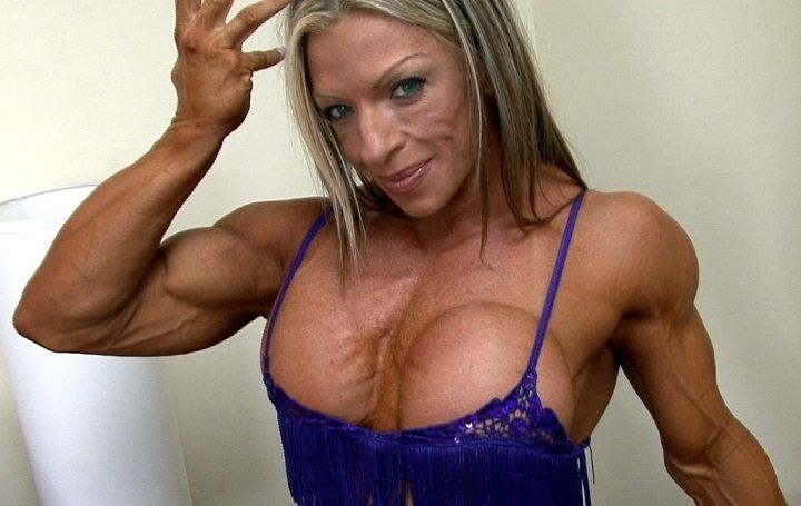 Female Bodybuilders Can Bench Press More Than You Body Building Women Bodybuilders Bench Press