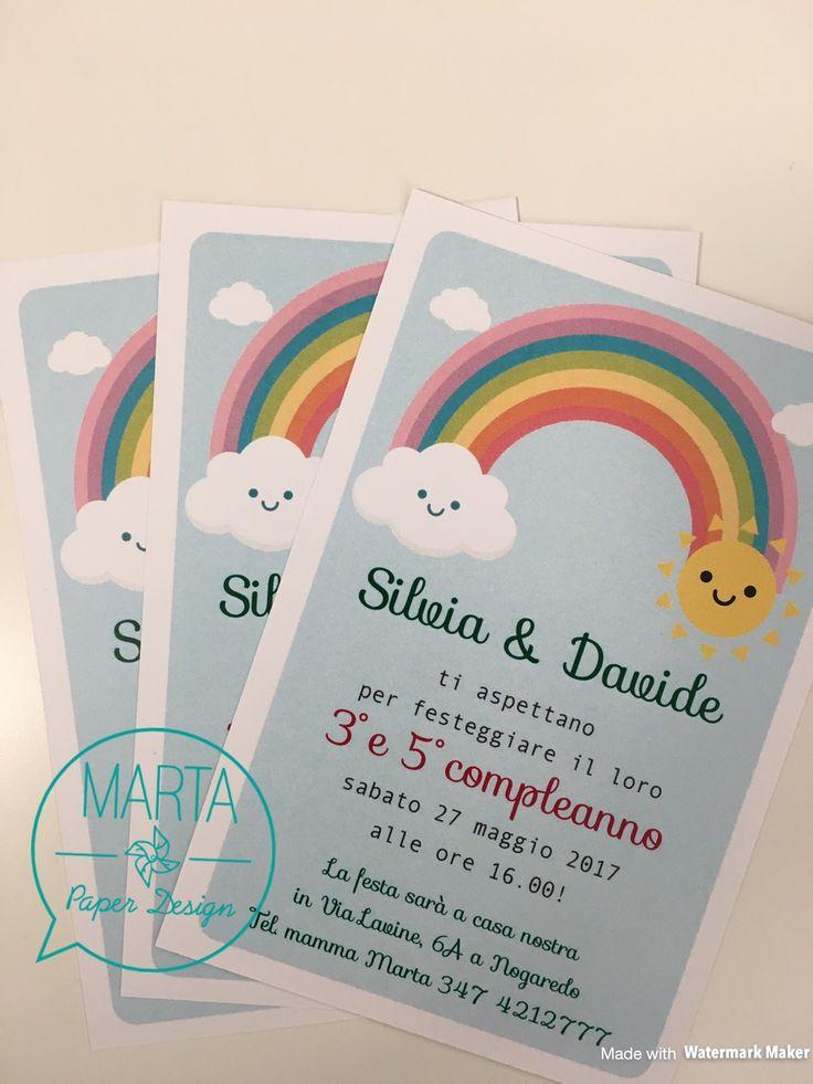 Dovete sapere che a casa mia ci sono decine e decine di disegni di arcobaleni… Silvia ne produce di media tre alla settimana così abbiamo deciso sarebbe stato il tema perfetto per festeggiare…