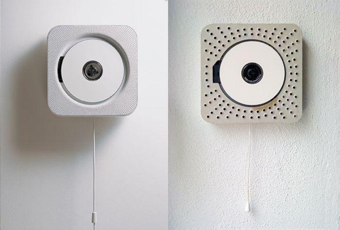 Make a Muji Wall Mounted CD Player  Le lecteur de CD Muji conçu par Nato Fukasawa est tellement simple qu'il est devenu une icône. Mais il coûte 150 €.    Heureusement sa simplicité rend possible la réalisation d'une réplique artisanale: