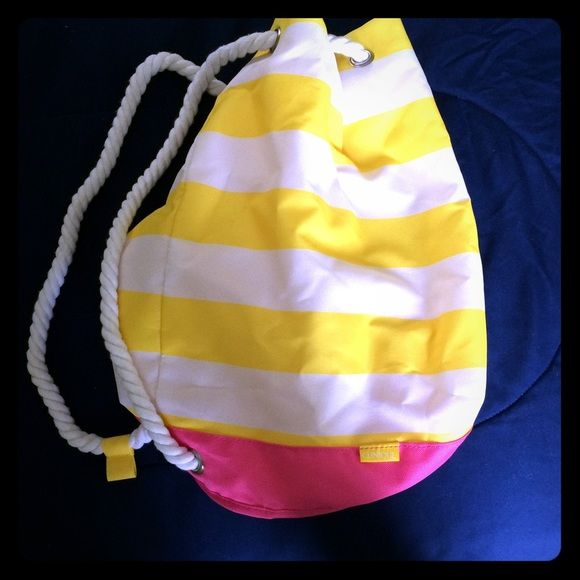 Clinique] Yellow White and Pink Beach Bag