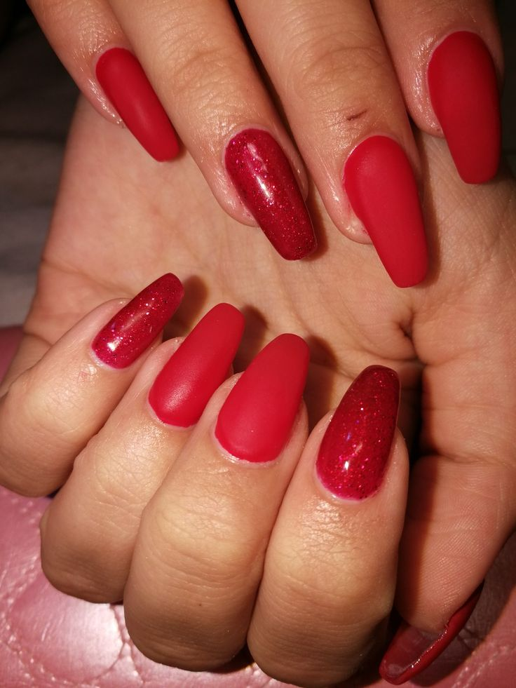 #mattnails #nails #rednails #csillogos