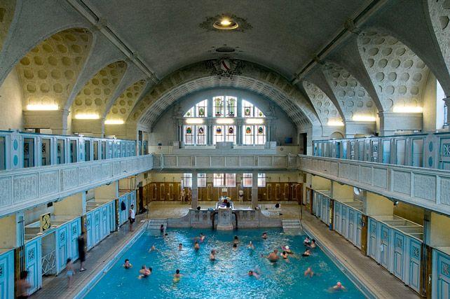 Les bains municipaux, boulevard de la Victoire