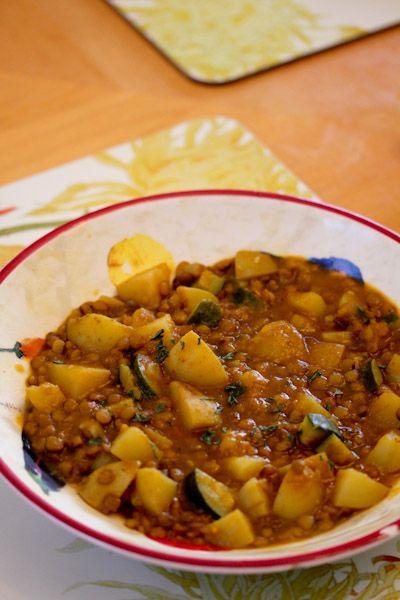 Aardappel linzen curry