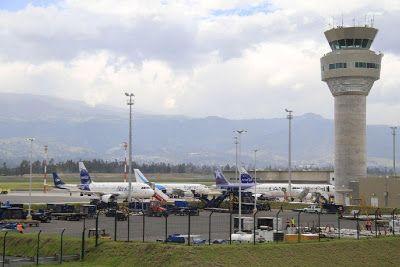 Horario de salida de vuelos internacionales desde Quito día Viernes