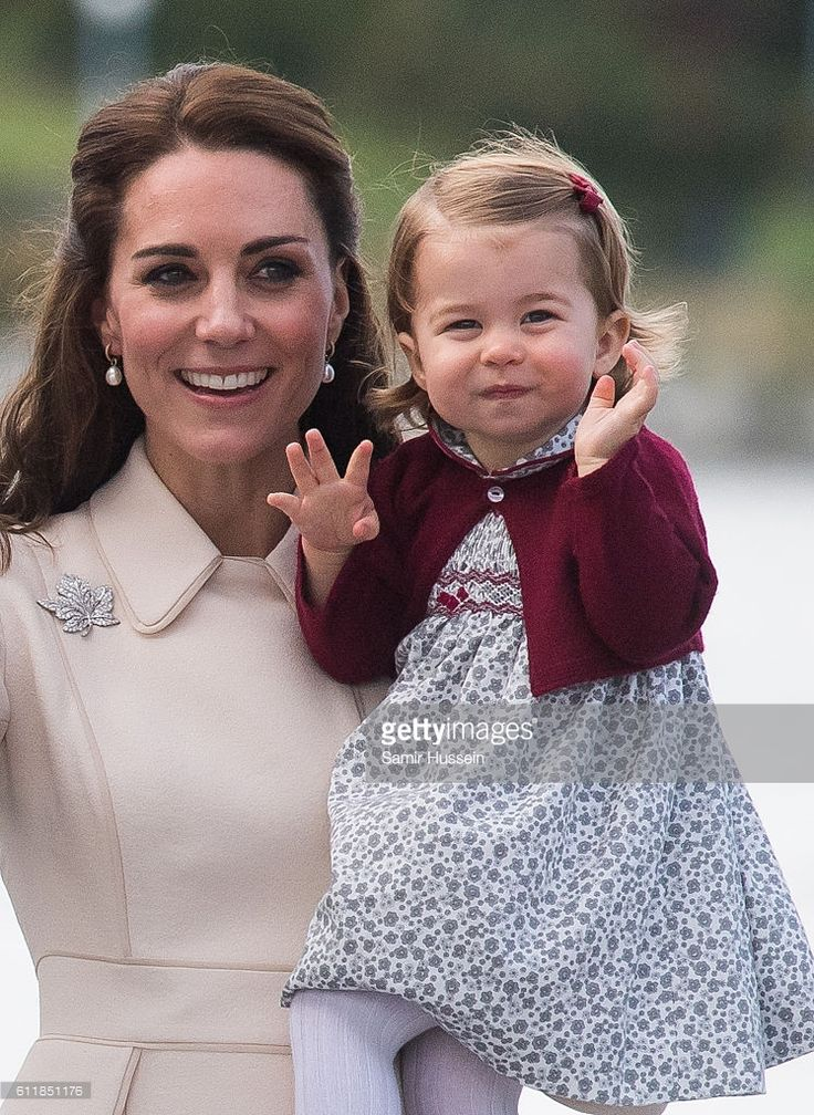 Catherine, Duchess of Cambridge Princess Charlotte of Cambridge depart Victoria on October 1, 2016 in Victoria, Canada.  (Photo by Samir Hussein/WireImage)