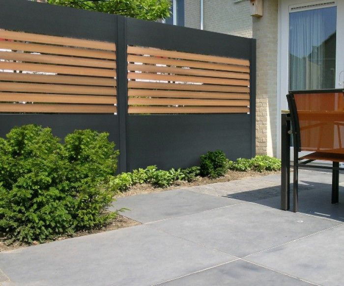 Black and natural wood contemporary privacy fence