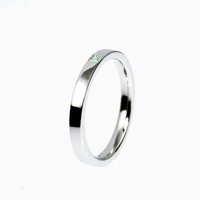 Carré Ring with green Diamond in Titanium