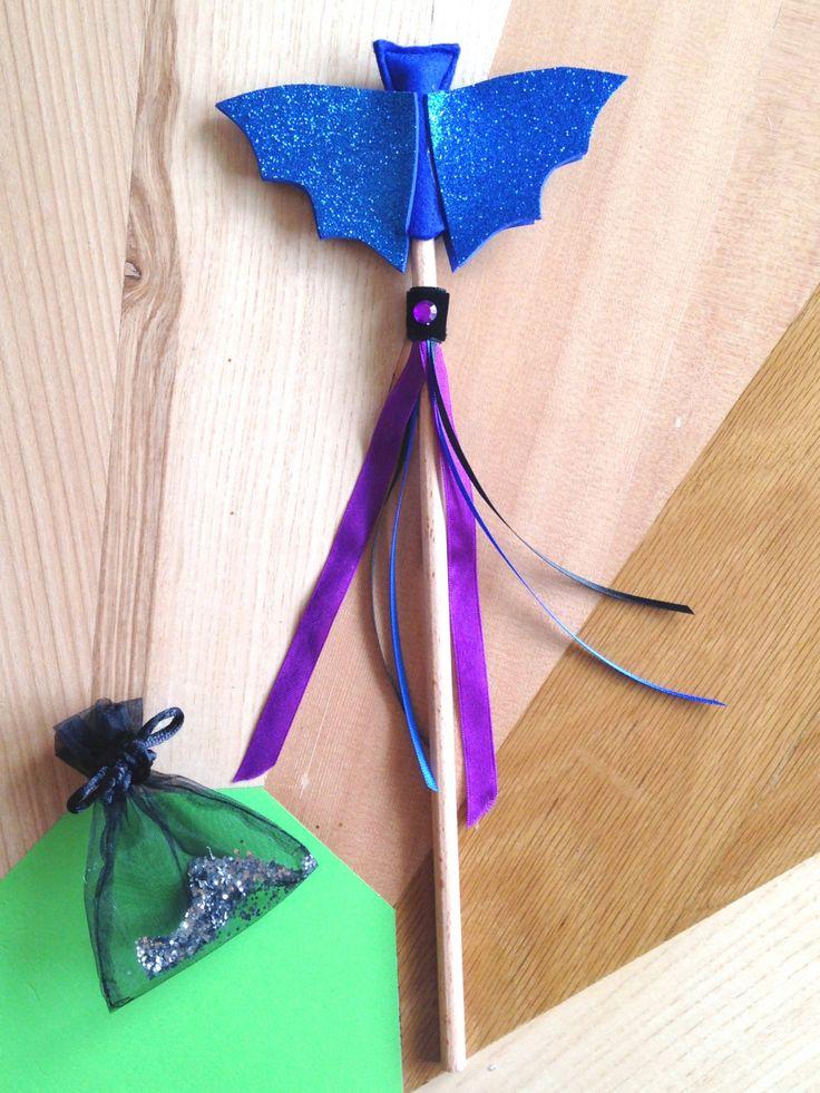 bacchetta magica di Halloween con pipistrello blu di SartoriaTataDrama su Etsy
