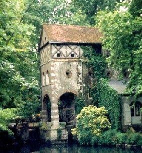 Un moulin à découvrir au bord du Loiret river - Loiret dept. - Centre région, France