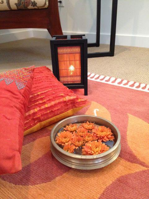 urli ,cushions and lamp