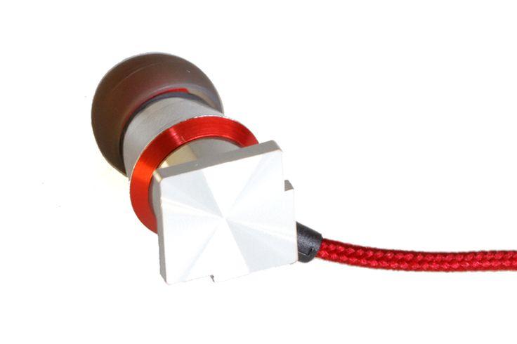 PerfectSound in-ear Kopfhörer silber. Ausführung Aluminium-Magnesium-Legierung, dynamischer 8mm-Treiber, Impedanz: 22 Ω, Gewicht: 19 g, Kabel: 1.2m mit Microphon (+Fernsteuerung) für Smartphone (umschaltbar iPhone/Android)