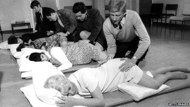 13th August 1968: Prenatal classes at Margate Hospital in Kent