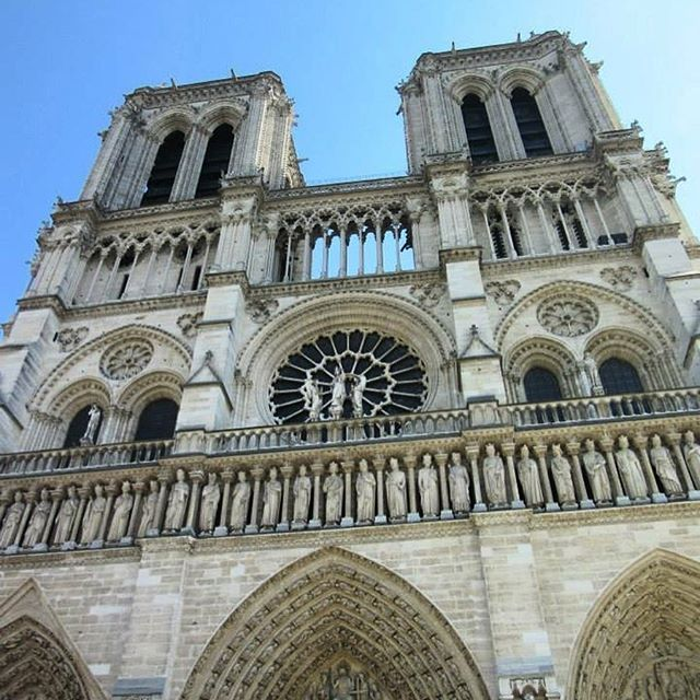 Notre Dame in April #throwback #memories #spring #holiday  #visitparis #france  #melbournelifelovetravel #notredame #blueskies #architecture #cathedral #beautiful #picturesque #sopretty #thatview #history #instaparis #instalove #instamoments #instatravel #travel #explore #love #live