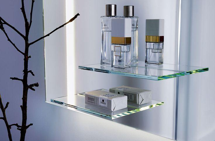 YourStyle mit sowohl stylischer als auch praktischer Glasablage  #yourstyle #spiegel #mirror #lichtspiegel #LED #spiegelmitglasablage #umschaltbareslicht #sonderanfertigung #zierath