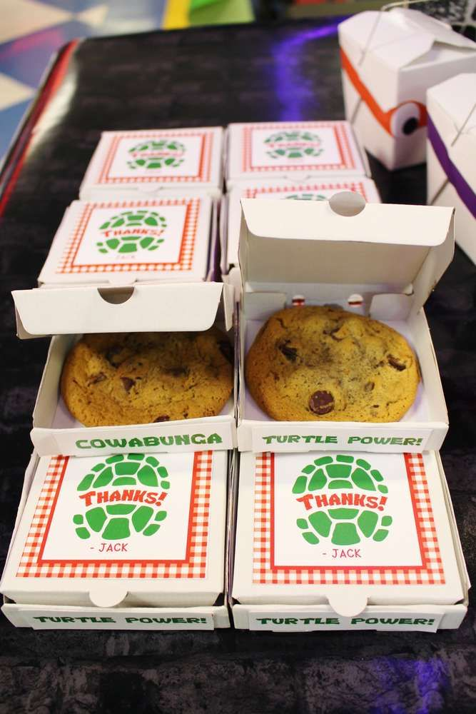 Yummy cookie favors at a Teenage Mutant Ninja Turtles birthday party! See more party ideas at CatchMyParty.com!