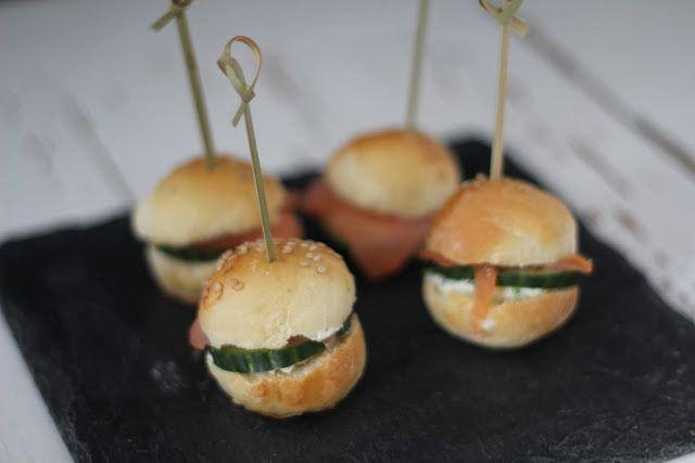 On dine chez Nanou | Miniburgers saumon fumé /concombre  pour l'apéritif |       Vous pourrez aussi bien les servir pour un apéritif dînatoire , que pour un pique nique , ces ...