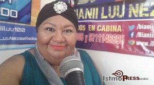 Martha Izquierdo, periodista y conductora de un noticiario en la radiodifusora Bianni Luu Neza (Luz en el camino), de Ciudad Ixtepec, Oaxaca, denunció que recibió amenazas de dos personas que llegaron a bordo de un vehículo particular ayer por la mañana, mientras se encontraba en una transmisión. Informó que el velador de la estación […]