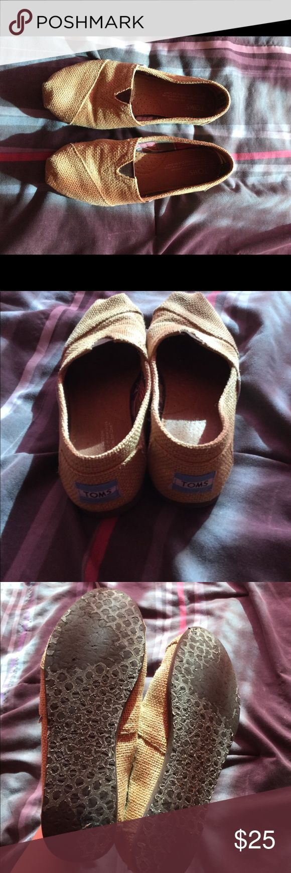 Burlap toms In good condition normal wear on the bottom Toms Shoes Flats & Loafers