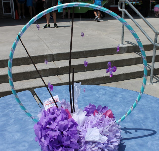 Hula hoop decorations fun parties for all ages pinterest for Hula hoop decorations