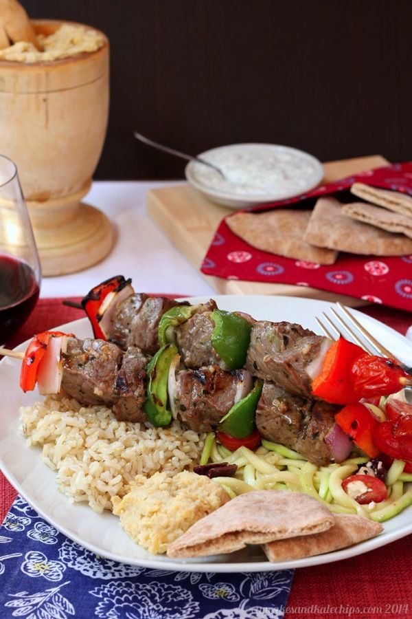 Greek-Style Beef Kabobs (aka Souvlaki) recipe for the grill   cupcakesandkalechips.com   gluten free, paleo, low carb recipe