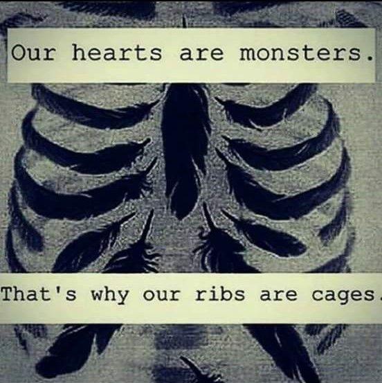 Oh. Ich schloss die Augen. Ich wollte diese Lügen nicht glauben. Hey. Haben Sie nicht einmal gesagt … Diese Monster waren in uns Ich habe Ihnen geglaubt Aber ich dachte nicht, dass das wahr sein könnte Das echte Monster riss mich von den Füßen … Sie verdienen es, in einem Käfig eingesperrt zu sein Wut seid ihr ~ Monster Monster Heart. – Denizz