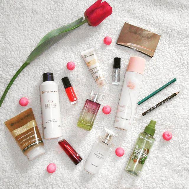 Hello les filles   Ce soir je vous montre tous les produits Yves Rocher que j'ai pu tester  Et vous quels produits adoré vous le plus chez Yves Rocher ?   #yvesrocher #soins #rougealevre #vernis #produits #maquillage #blogeuse #blog