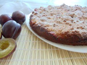 Фото к рецепту: Сливовый пирог под хрустящей корочкой!