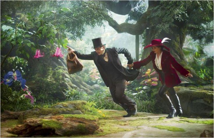 Le monde fantastique d'Oz de Sam RAIMI édité en Blu-ray, Blu-ray 3D et DVD sous le label Disney le 17 juillet